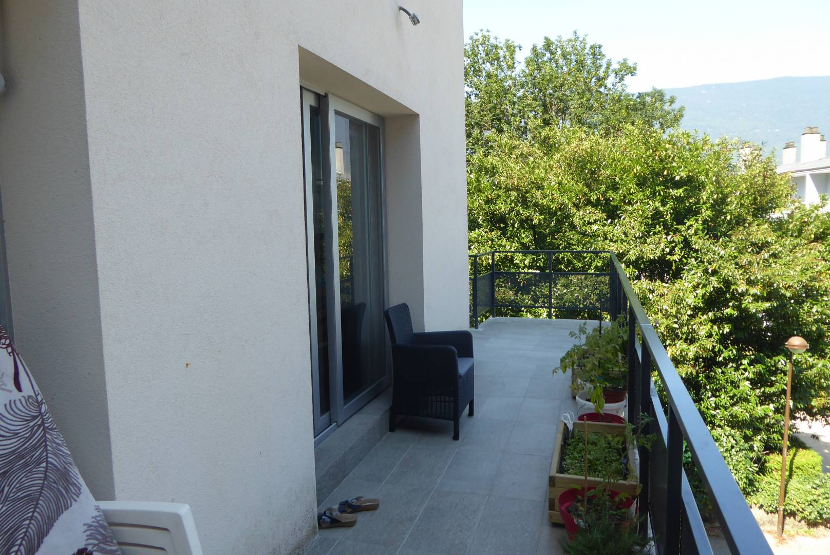 voglans belle maison moderne et originale aux portes d 39 aix les bains et chamb ry. Black Bedroom Furniture Sets. Home Design Ideas