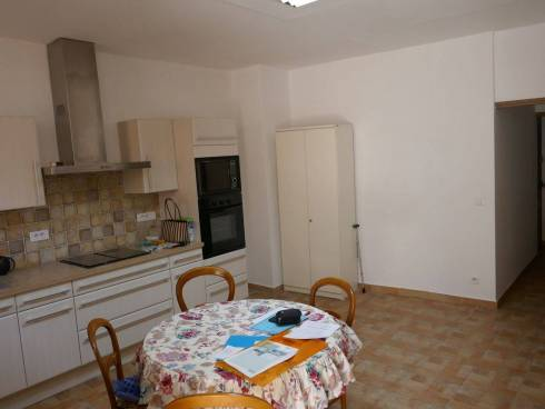 Appartement f2 Plein centre de Salernes