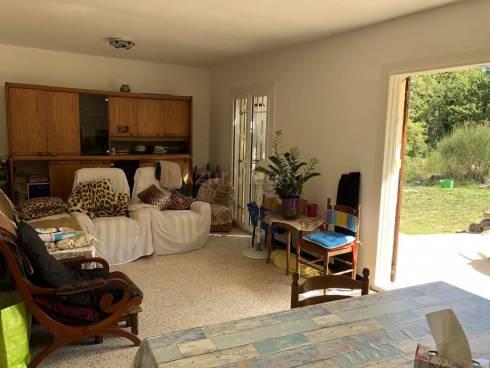 Villa F3/4 sur 5900m² de terrain - Calme et résidentiel
