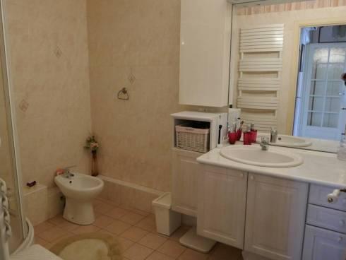 Appartement F3/4(68m2) + Véranda - Terrasse et Garage à Toulon (83000)