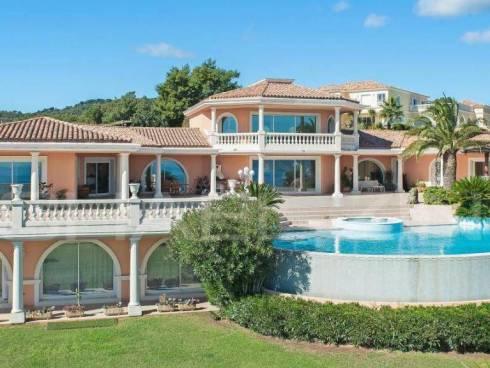 Villa à Les Issambres (83380)