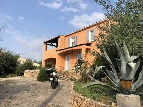 Villa F4 + Garage sur 1200m² de terrain - Situation Dominante