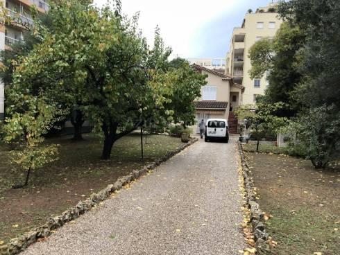 Rez de Jardin de Villa d'environ 85m² sur 900m² de Terrain