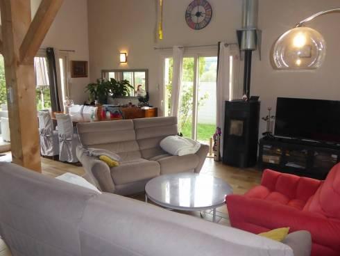 Proche Chambéry Novalaise Maison contemporaine avec piscine