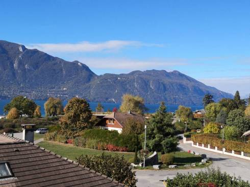 Tresserve bel appartement duplex vue exceptionnelle sur le lac