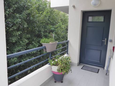 Chambéry bel appartement récent T3 belle terrasse